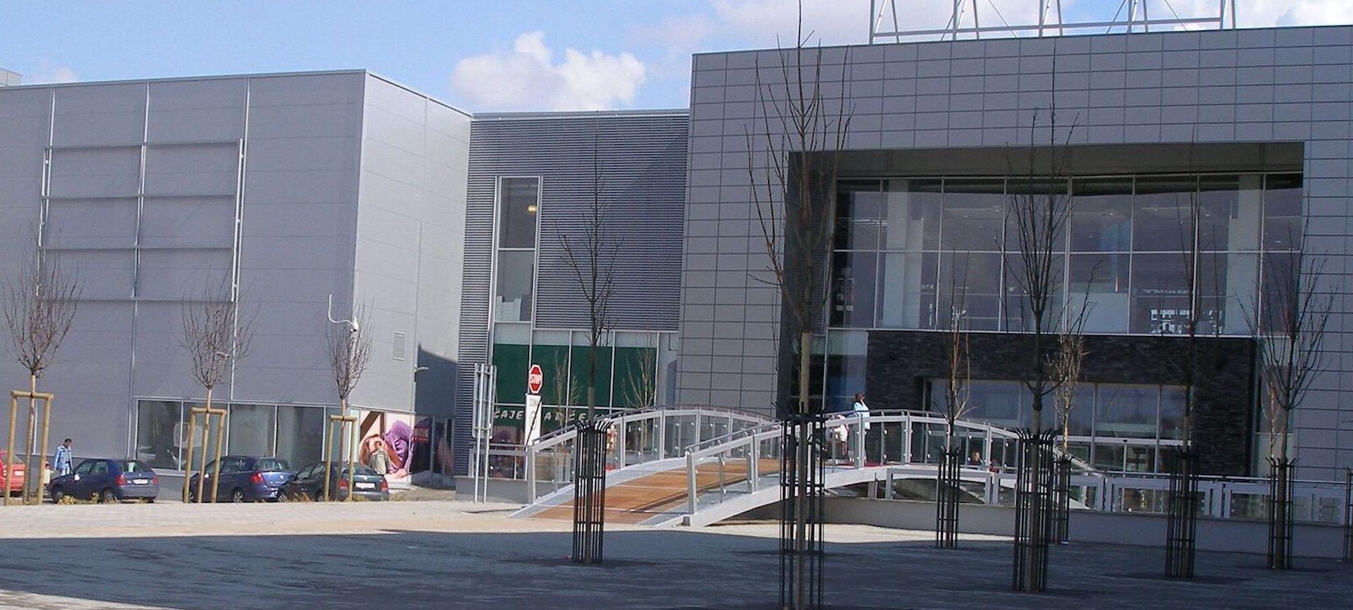 Zábavno-obchodné centrum MAX Prešov